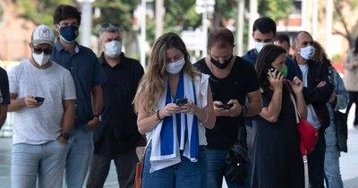 """La Nación / Uruguay extiende medidas buscando """"blindar abril"""""""