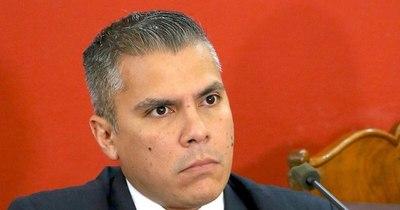 La Nación / Giuzzio no está preparado para el cargo