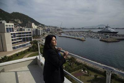 """La vacunación masiva hace de Gibraltar un pequeño """"oasis"""" en Europa"""