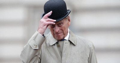 """La Nación / El Reino Unido rinde homenaje al príncipe Felipe y a su """"vida y trabajo extraordinarios"""""""