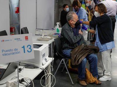 OMS: Todavía no hay datos para recomendar combinación de vacunas