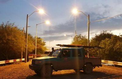Inauguran obras de electrificación e iluminación de la localidad de Pozo Hondo