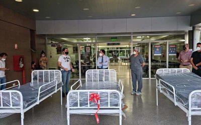 Por su cumple, un joven donó camas al Hospital San Pablo