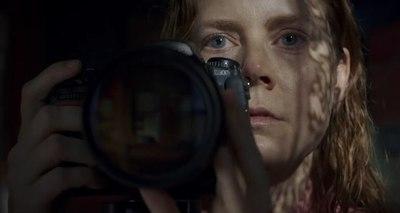 """Amy Adams explora la agorafobia y lo irreal en """"La mujer en la ventana"""""""