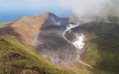 Entró en erupción un volcán en la isla de San Vicente y las Granadinas