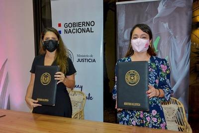 Firman convenio para otorgar asistencia integral a mujeres en semi-libertad