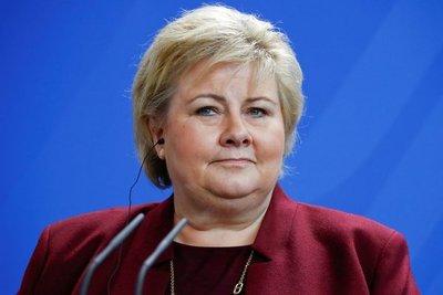 Multan a primera ministra de Noruega por infringir norma anticovid
