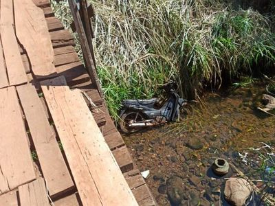 Bebé de 5 meses cayó desde un puente de madera