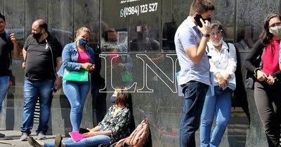 La Nación / Hacienda aclara que no realiza ningún contacto telefónico a potenciales beneficiarios de subsidios