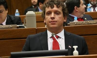 """Pedido de suspender elecciones: """"el argumento es darle un respiro a médicos"""", dice diputado"""