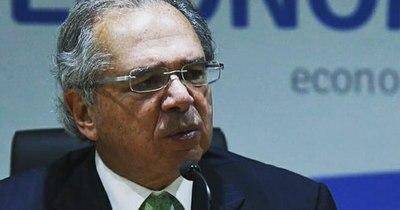 La Nación / Ministro brasileño pide acceso equitativo a vacunas ante FMI