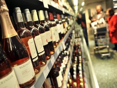 Modifican temporalmente tasas del Impuesto Selectivo al Consumo para bebidas