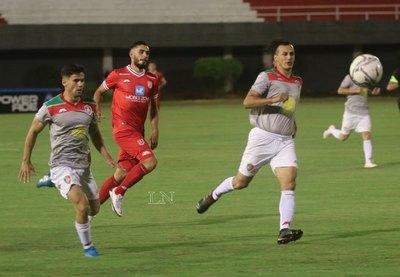 Con un golazo de Digno González, 3 de Febrero y Fulgencio Yegros empataron