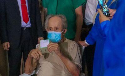 Empieza vacunación a adultos mayores del Hogar Santo Domingo