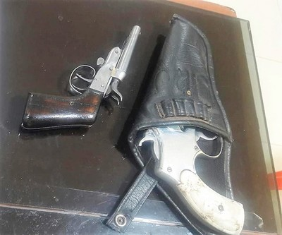 Arrestan a un hombre con dos armas de fuego tras realizar disparos en pleno centro de Horqueta