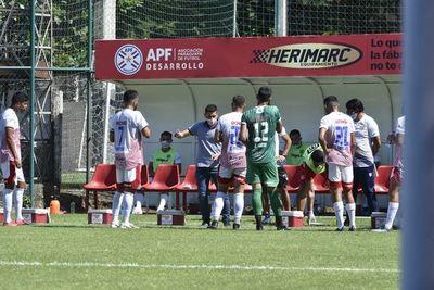 San Lorenzo empató en el estreno de los hermanos Salcedo