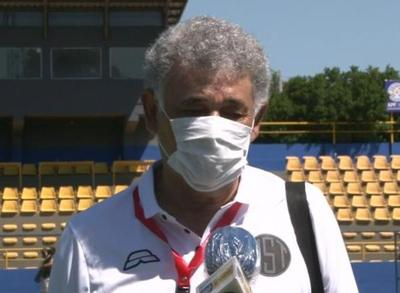 Gabino Román lamentó el penal errado