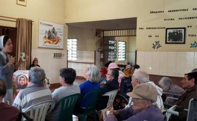 Este domingo vacunarán a ancianos de hogares en Alto Paraná