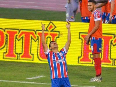 Óscar Ruiz necesitó dos minutos para marcar su primer gol con Bahía