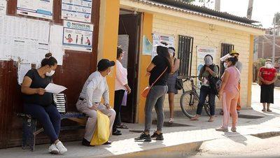 Quiénes son los candidatos en busca del balotaje por la presidencia de Perú
