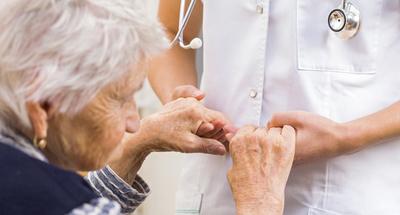 En el Día de Parkinson, instan a estar atentos para una detección temprana