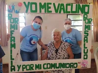 Avanza segunda jornada de vacunación contra el covid-19 a adultos mayores