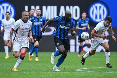 Inter sufre pero logra ante el Cagliari su 11ª victoria consecutiva