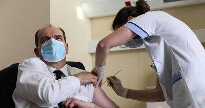 La Nación / Francia vacuna a mayores de 55 años