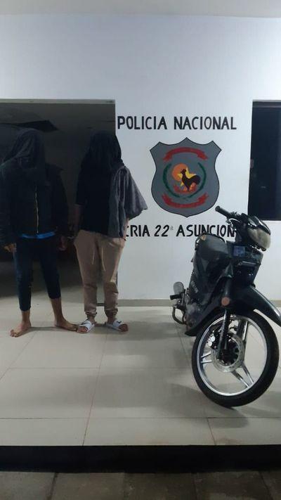 Recuperan moto robada y víctima identifica sus vecinos como los ladrones
