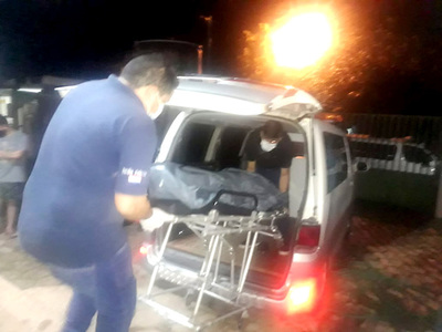 Sicarios motorizados matan a tiros a una mujer en presunto crimen pasional