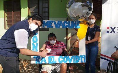 Realizaron 2ª jornada de vacunación contra el covid-19 a adultos mayores – Diario TNPRESS