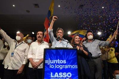 El conservador Guillermo Lasso se enfrenta a grandes desafíos como presidente de Ecuador