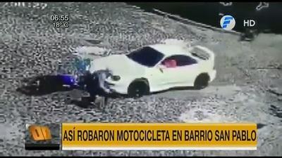 Persecusión y tiros en robo de moto en Asunción
