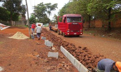 Comienza construcción de asfaltados en Franco