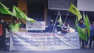 Docentes piden al MEC la suspensión de clases presenciales