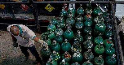 La Nación / Plantas de oxígeno bajarían nivel de concentración para aumentar producción diaria
