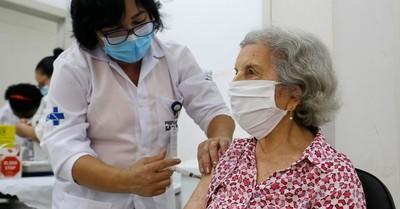 Brasil vacunó contra el Covid-19 a una ciudad entera como parte de un experimento mundial inédito