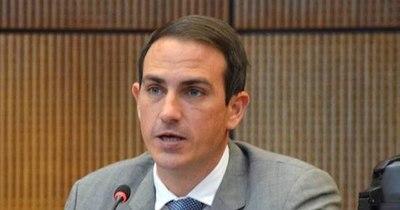 """La Nación / """"El problema en Paraguay no es dinero, sino la corrupción"""", dice senador"""