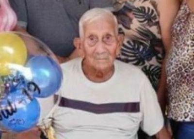 Hombre de 92 años venció al Covid internado en su casa en Pedro Juan