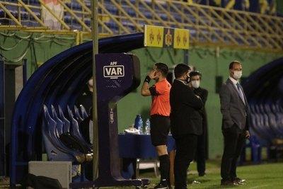 La jugada entre Boselli y Cabrera que todo Cerro reclamó penal