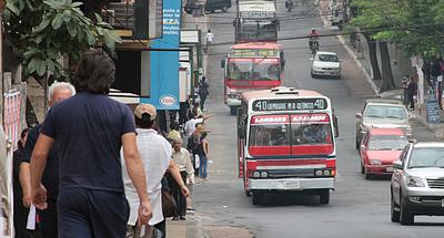 Nuevo viceministro de Transporte viaja en ómnibus para corroborar situación del sector