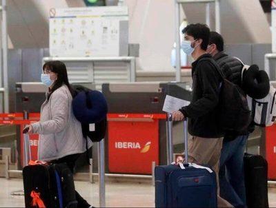 Cientos de compatriotas viajan a EE.UU esperando acceder a dosis anti-Covid · Radio Monumental 1080 AM