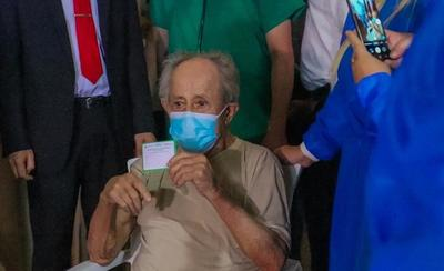 Desde mañana, mayores de 85 años podrán vacunarse contra el COVID, según su terminación de C.I.