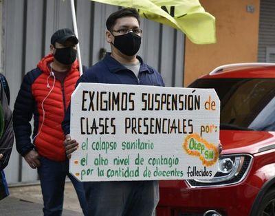 FEP emplaza por 48 horas a ministro de Educación para suspensión de clases presenciales en todo el país