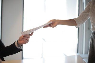 Piden no compartir datos confidenciales en el CV al momento de buscar un empleo