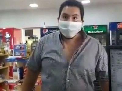 Indignación en redes por video de un cliente que agrede a trabajadora