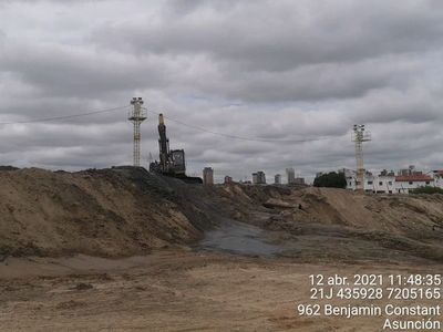 Astillero extrae arena del río sin permiso ambiental, dicen el Mades y la Municipalidad