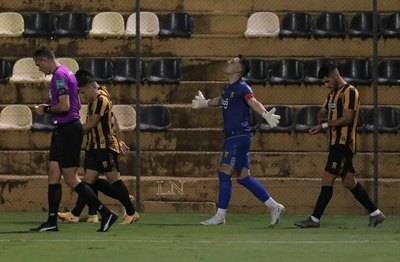 Costas expresó toda su felicidad por volver a ganar con Guaraní