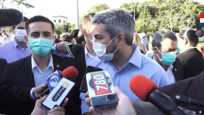 Mario Abdo reitera que esperan recibir lotes importantes de vacunas para fines de abril