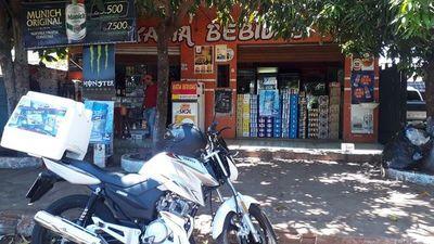 Motochorros asaltan bodega y roban dinero y celulares